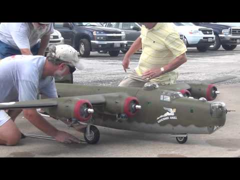 B-24 Liberator Giant Scale RC Model Airplane - Maiden Flight