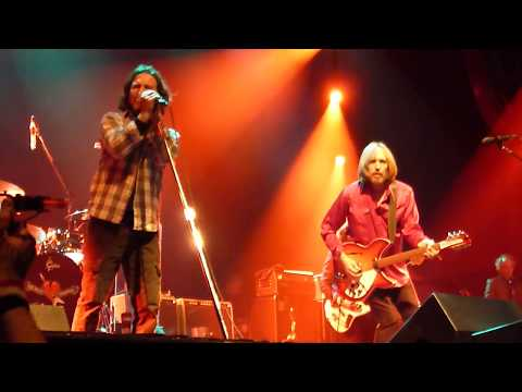 Tom Petty & Eddie Vedder The Waiting - Live HMH Amsterdam 2012