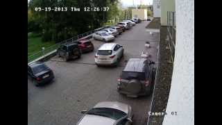 Зразок відео з камери Hikvision DS-2CD2032-I