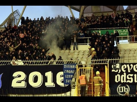 Hajduk Split - Dinamo Zagreb BBB fight with police and Torcida pyro