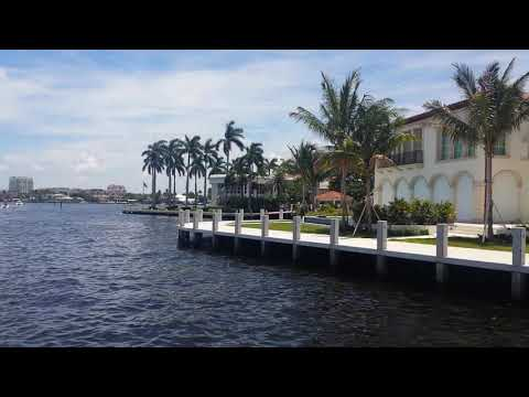 Through the canals of Fort Lauderdale, the Venice of America and the world capital of the boats ...