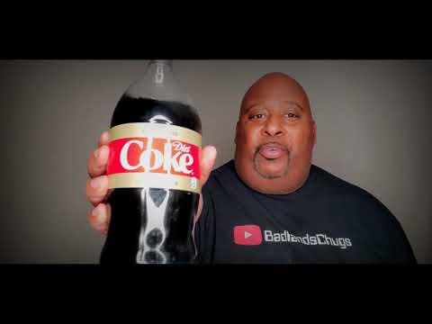 2 Liter Thanksgiving Diet Coke No Burp Chug (Massive Burp At The End!!!)