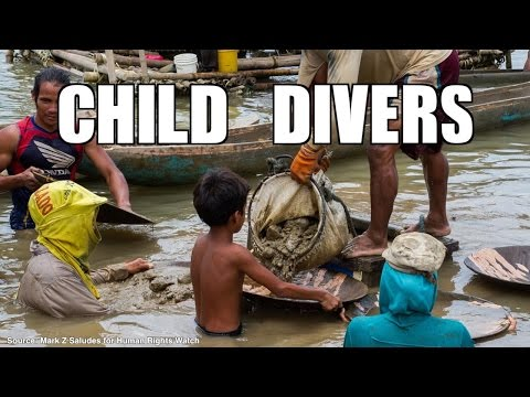 Filipino children dive deep to find gold and sometimes death