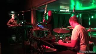"""Loop Doctors Feat Bradon Fields """"Crunchy Frog"""" Akvárium 2012. 03 .05."""