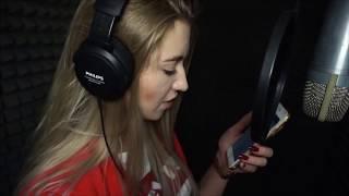 Рэп на свадьбу! Девушка на студии звукозаписи читает рэп! Свадьба!#MFYRND