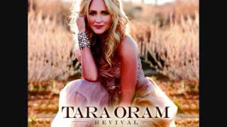 Tara Oram - Pretty Red Dress - Studio Version - Official Music Video - New Song 2011 + Lyrics