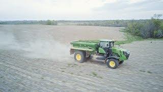 New John Deere F4365 - Broadcasting Fertilizer