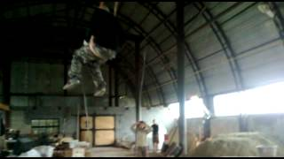 Серёга и кран-балка.mp4(, 2012-09-05T03:54:38.000Z)