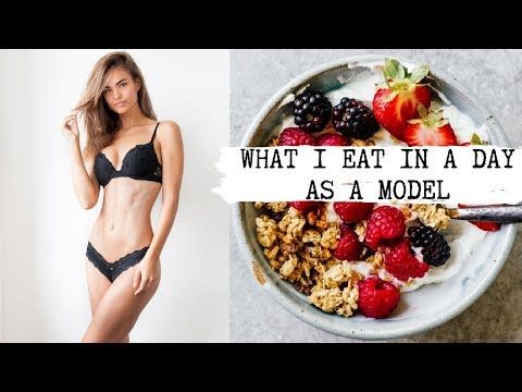 WHAT I EAT IN A DAY AS A MODEL | Robin Holzken