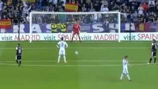 Cristiano Ronaldo hardest penalty vs Malaga 8.5.2103 thumbnail