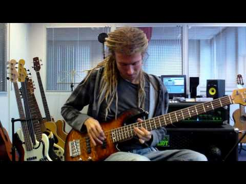 Download Youtube: Funk Slap Bass with Solo Improv
