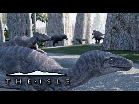 RAPTORS VS T.REX - THE BATTLE BEGINS!!! - The Isle