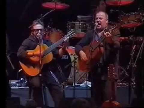 """Mauro Di Domenico con INTIILLIMANI HISTORICOS e QUILAPAYUN """"Samba Landò"""" Live 2005"""