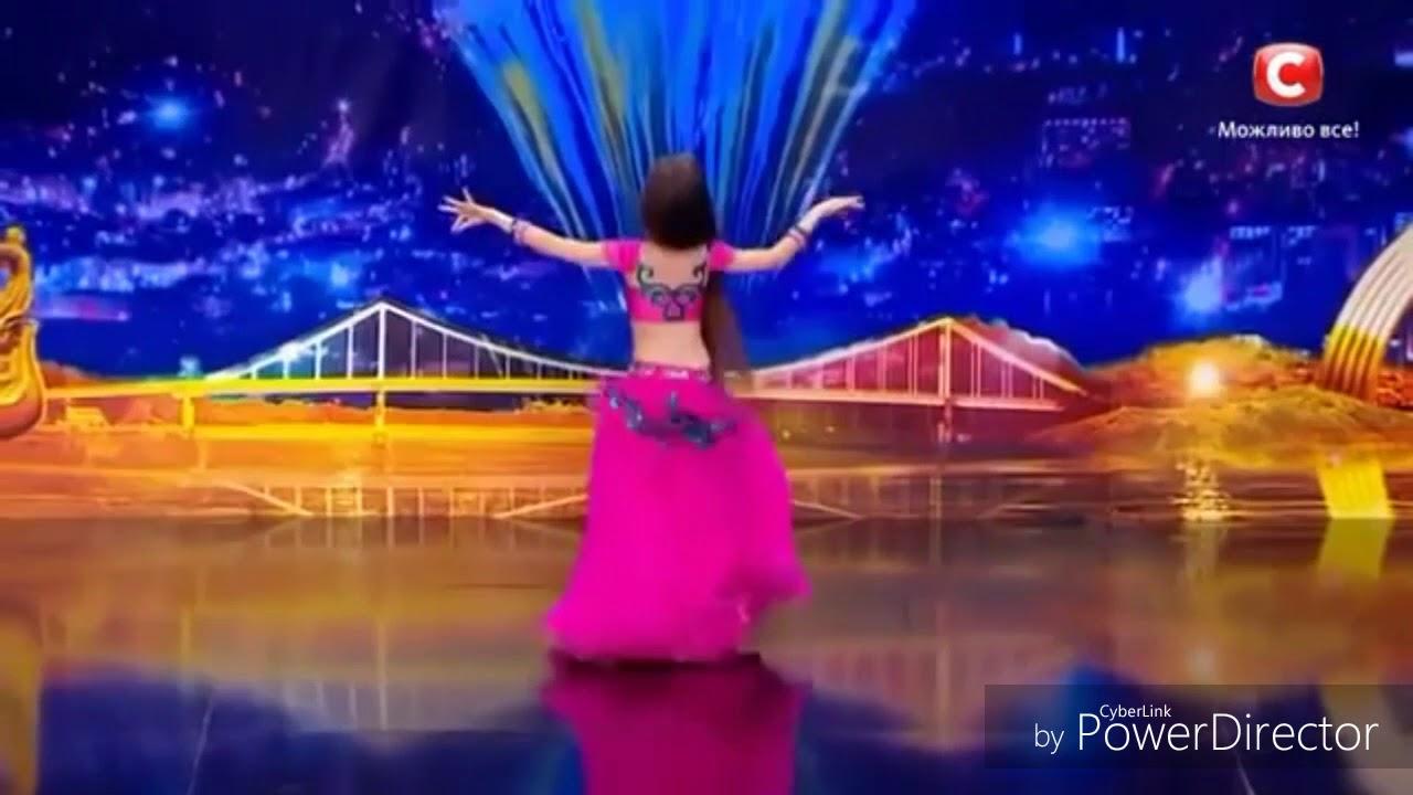 رقص شرقي لي بنت صغيرة ولا أروع
