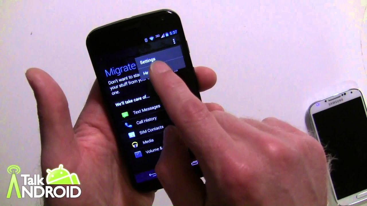 How to transfer stuff from your old phone to your new Moto X using