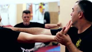 Video Kapap Lotar Mallorca(Video promocional de las clases del Sistema Kapap Lotar Mallorca.!!! En el Gimnasio Korat Muay Thai CLub!!! Martes y Jueves de 19:00 a 20:30. Tlf : 689 685 ..., 2014-07-04T09:37:03.000Z)