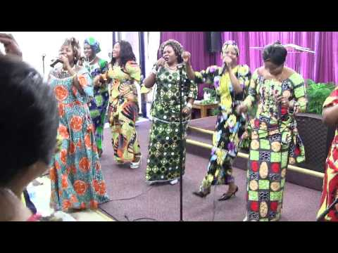 Bwana wa mabwana Uinuliwe Praise and Worship led by Aimée