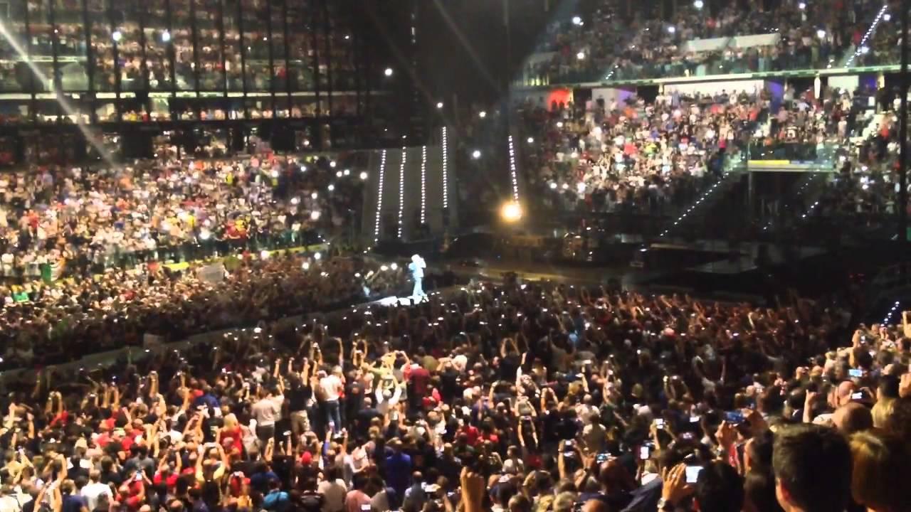 Madonna in concert - 1 3