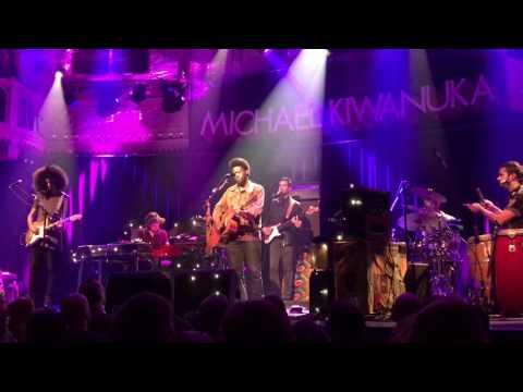 Michael Kiwanuka - Sometimes it snows in April (Prince tribute)