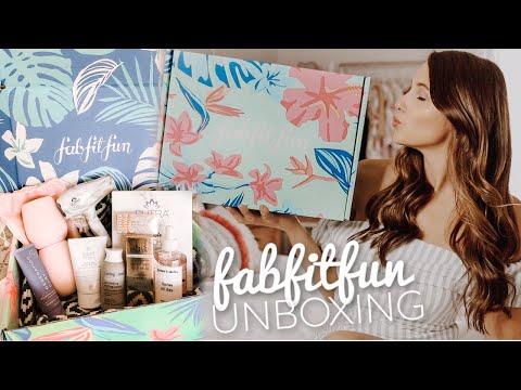 TRYING FABFITFUN! Summer Box Unboxing