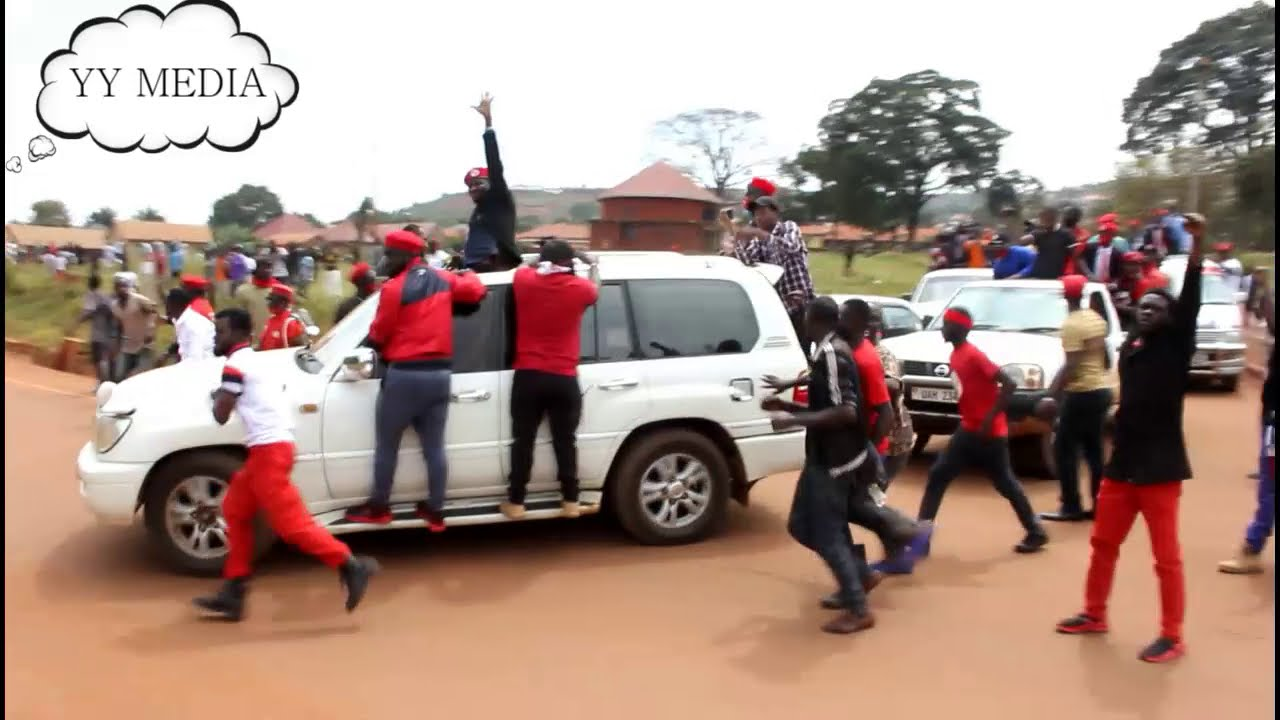 BOBI WINE's convoy guarded like  that of Museveni.