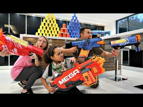 KIDS VS PARENTS! Nerf  Challenge | Famtastic