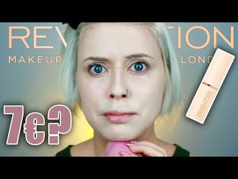 COM'E' IL FONDOTINTA DI MAKE UP REVOLUTION 'FAST BASE STICK FOUNDATION'?