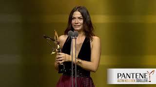 Pantene Altın Kelebek En İyi Romantik Komedi Dizisi Kadın Oyuncu Ödülü – Demet Özdemir