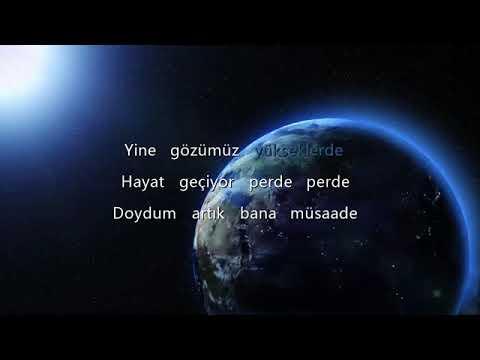 Pinhani - Dünyadan Uzak (Lyric Video)   Şarkı Sözleri