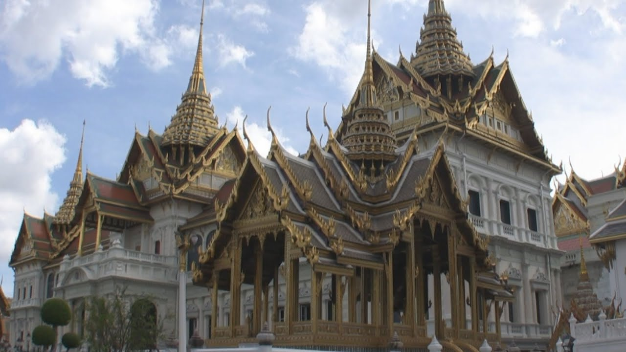 Wat Phra Kaew (Temple of the Emerald Buddha), Bangkok ...