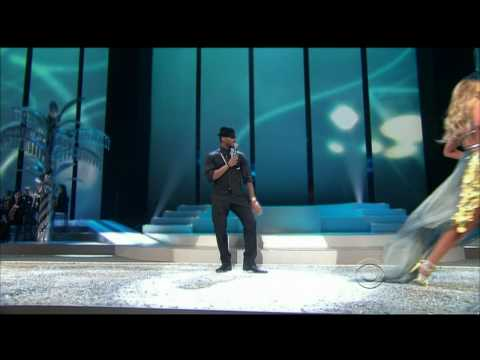 Usher LIVE - Victorias Secret Fashion Show Miami - 2008 With songs - Whats your name  Yeah