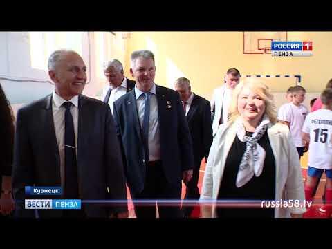 Пензенский космонавт Александр Самокутяев открыл памятник Юрию Гагарину в Кузнецке