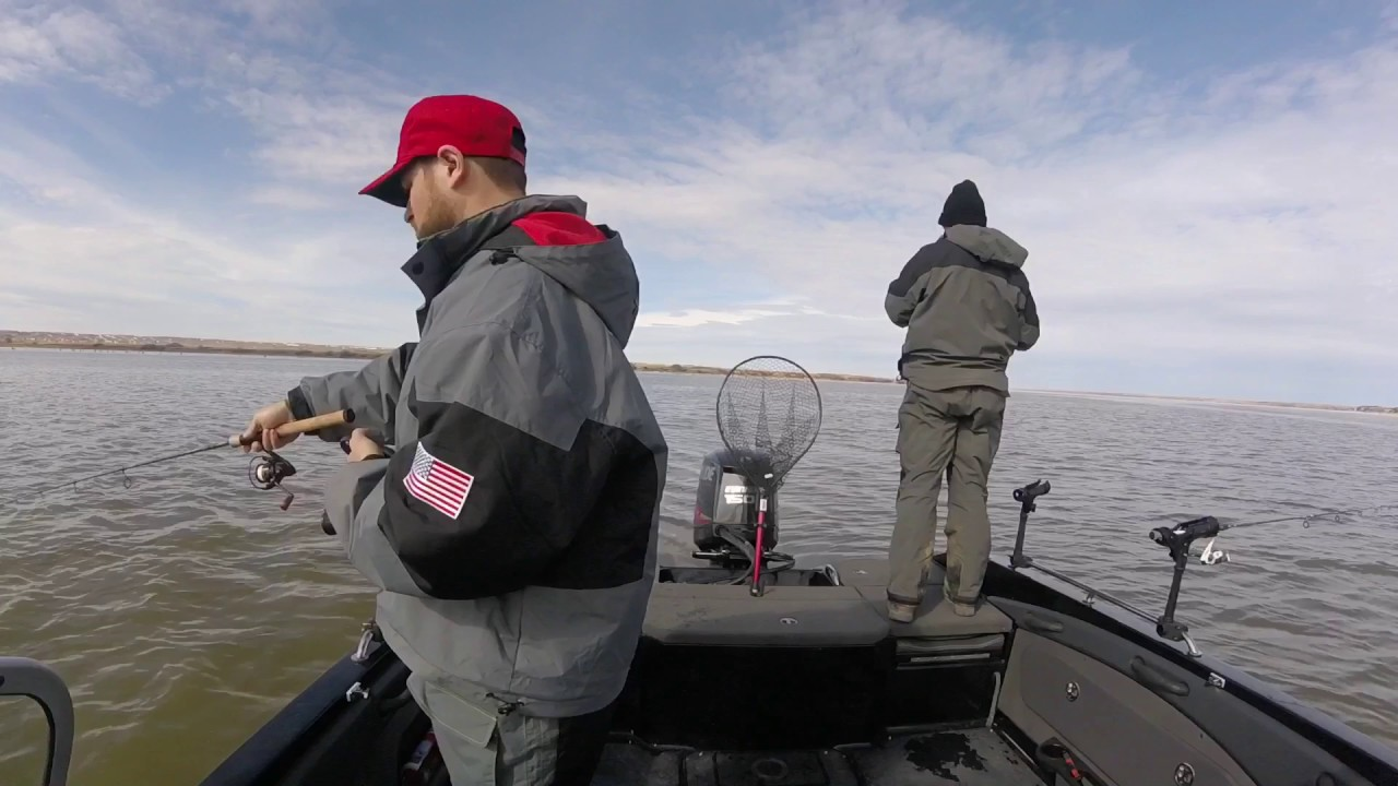 Chamberlain sd walleye fishing lake francis case youtube for Chamberlain sd fishing report
