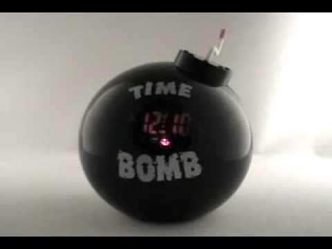 9e9ac640b179 Reloj   Despertador Bomba - YouTube