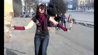 Катя танцует Тектоник