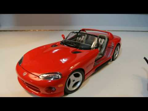 1:18 Bburago Dodge Viper RT 10 Review (You Won't Believe What Happens)