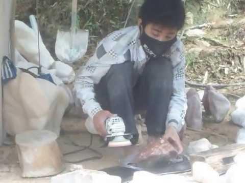 Cơ sở chế tác đá phong thủy trên Cao nguyên đá Đồng Văn