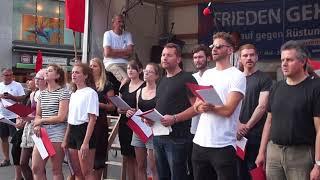 """FRIEDEN GEHT! in Halle (Saale) - attac-Chor (Leipzig) - """"Waffen schaffen keinen Frieden!"""""""