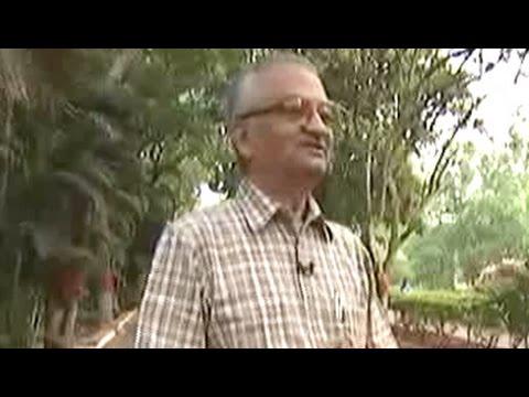 Can't choose IIT Directors like a lottery: Anil Kakodkar on Smriti Irani row