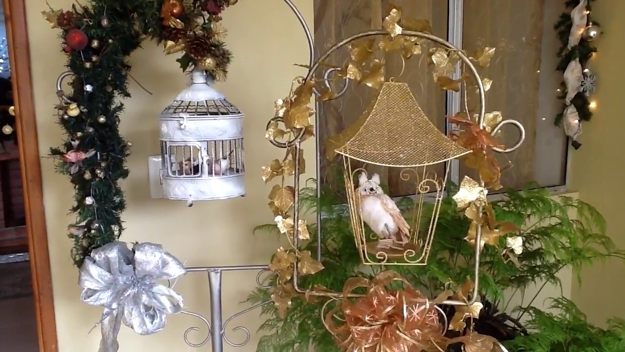 C mo decorar la entrada de tu casa esta navidad youtube for Como decorar tu porche