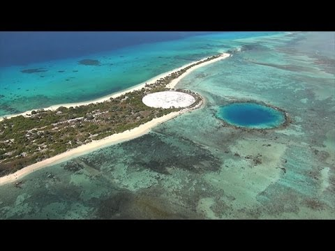 エニウェトク環礁の核実験場跡 ...