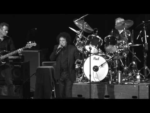 More Than I Can Say - Leo Sayer Live '09