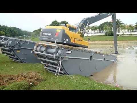 EIK Volvo EC210 Swamp Excavator Unloading From Trailer