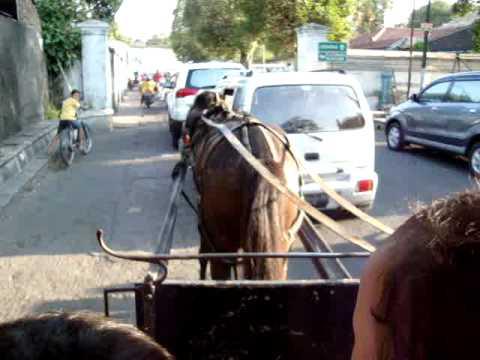 Kesya & Raditya Jalan2 ke Kraton Solo