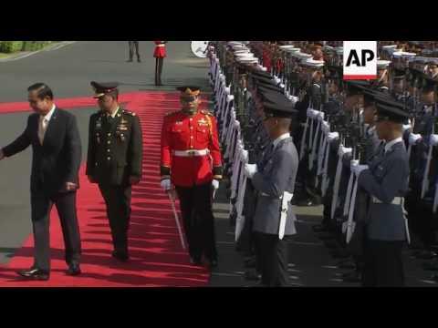 Cambodia PM visits Thailand