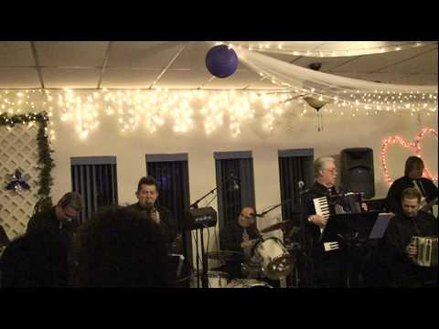 From Town To Town Polka - Lenny Gomulka and Chicag...