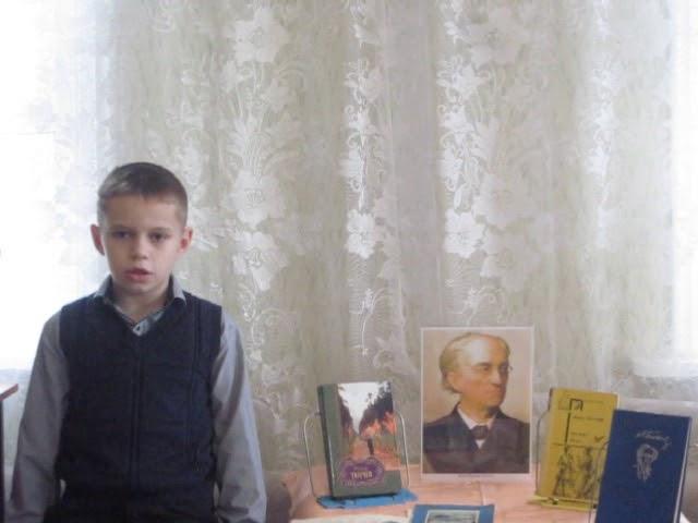 Изображение предпросмотра прочтения – ГлебКоржов читает произведение «Зима недаром злится» Ф.И.Тютчева