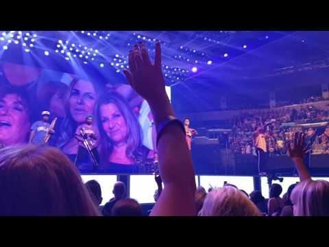 Bruno Mars 24K Magic World Tour - Winnipeg 08/02/17 - Just The Way You Are