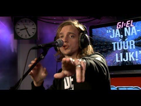 De Jeugd Van Tegenwoordig - Een Barkie (live bij GIEL!)