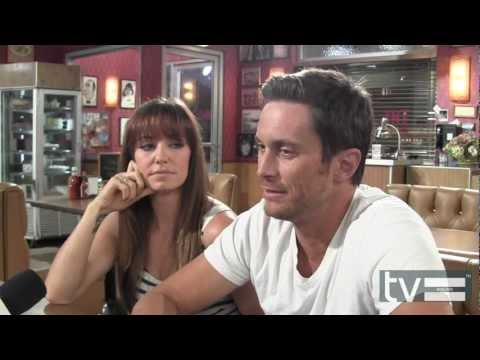 Rules of Engagement Season 7: Bianca Kajlich & Oliver Hudson